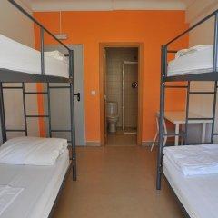 Hans Brinker Hostel Lisbon Кровать в общем номере с двухъярусной кроватью фото 14