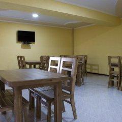 Отель Akmaral Кыргызстан, Каракол - отзывы, цены и фото номеров - забронировать отель Akmaral онлайн питание фото 2