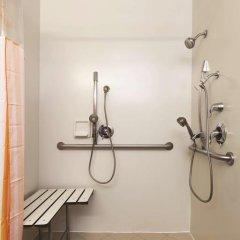 Отель La Quinta Inn & Suites Dallas North Central 2* Стандартный номер с различными типами кроватей фото 4