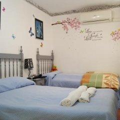 Отель Giraldilla Номер категории Эконом с различными типами кроватей фото 11