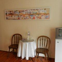 Отель Berk Guesthouse - 'Grandma's House' 3* Стандартный семейный номер с двуспальной кроватью фото 7