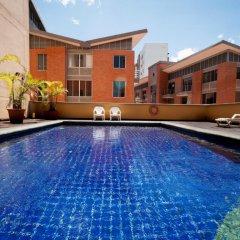 Armenia Hotel SA бассейн