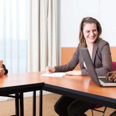Отель Novotel Antwerpen Бельгия, Антверпен - 1 отзыв об отеле, цены и фото номеров - забронировать отель Novotel Antwerpen онлайн удобства в номере фото 2