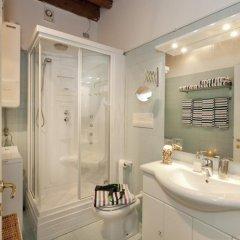 Отель Appartamenti Sofia & Marilyn Италия, Кастельфранко - отзывы, цены и фото номеров - забронировать отель Appartamenti Sofia & Marilyn онлайн ванная