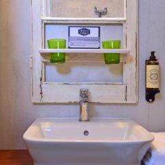 Отель Mercearia d'Alegria Boutique B&B Улучшенный номер двуспальная кровать фото 7