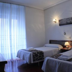 Отель Hostal Esmeralda Стандартный номер с различными типами кроватей фото 10