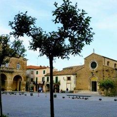 Отель Palazzo Croce 1 Рокка-Сан-Джованни приотельная территория