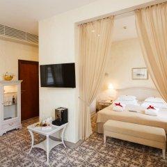 Savoy Boutique Hotel by TallinnHotels 5* Люкс с разными типами кроватей фото 14