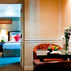 Отель Royal Princess Larn Luang 4* Люкс с различными типами кроватей фото 3