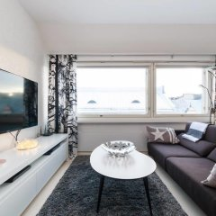 Отель Rooftop Apartment With Sauna Финляндия, Хельсинки - отзывы, цены и фото номеров - забронировать отель Rooftop Apartment With Sauna онлайн комната для гостей фото 2