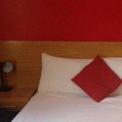 Newton Hotel 3* Стандартный номер с двуспальной кроватью