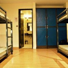 goStops Delhi (Stops Hostel Delhi) Кровать в общем номере с двухъярусной кроватью