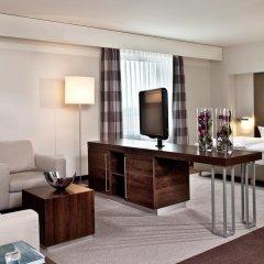 Estrel Hotel Berlin 4* Стандартный номер с двуспальной кроватью фото 7