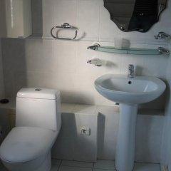 Отель Boorsok Hostel Bishkek Кыргызстан, Бишкек - отзывы, цены и фото номеров - забронировать отель Boorsok Hostel Bishkek онлайн ванная фото 2