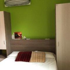Отель Els Angels Hostal Барселона комната для гостей фото 4