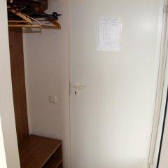 Hotel Dobele сейф в номере