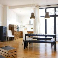 Five Elements Hostel Leipzig Стандартный номер с двуспальной кроватью (общая ванная комната) фото 2