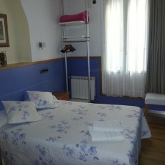 Отель Hospedaje Irune Сан-Себастьян комната для гостей фото 3