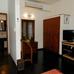 Отель Raj Mahal Inn 3* Улучшенный номер с различными типами кроватей фото 5