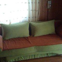 Гостиница Kolyba Opryshkiv Хуст комната для гостей фото 5