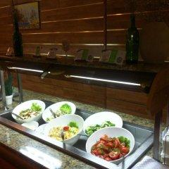 Отель Сенди Бийч Болгария, Албена - отзывы, цены и фото номеров - забронировать отель Сенди Бийч онлайн питание