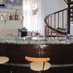Отель Pri Voivodite Guest House Банско гостиничный бар