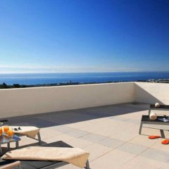 Отель Marbella Luxury Penthouse бассейн