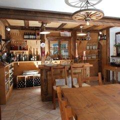 Отель Agritur Al Canyon Монклассико гостиничный бар