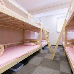 81's Inn Fukuoka - Hostel Кровать в женском общем номере с двухъярусной кроватью фото 7