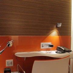 Отель Design Hotel F6 Швейцария, Женева - отзывы, цены и фото номеров - забронировать отель Design Hotel F6 онлайн удобства в номере фото 2