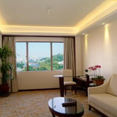Guangdong Hotel 4* Номер Бизнес с различными типами кроватей фото 6