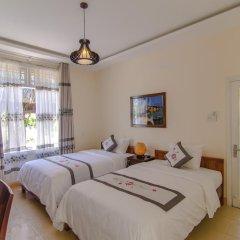 Отель The Moon River Homestay & Villa 3* Улучшенный номер с 2 отдельными кроватями