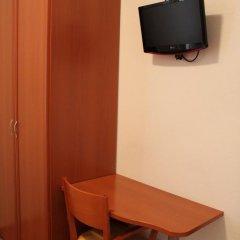 Отель Hostal Jerez Стандартный номер с различными типами кроватей фото 11