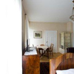 Отель Villa Bergmann Suites Meran Меран комната для гостей фото 2