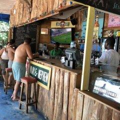 Отель Brytan Villa Ямайка, Треже-Бич - отзывы, цены и фото номеров - забронировать отель Brytan Villa онлайн гостиничный бар