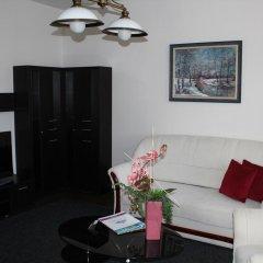 Отель Timpa Apartmanház & Dr. Strecker Villa комната для гостей фото 5