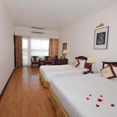 Century Riverside Hotel Hue 4* Номер Делюкс с различными типами кроватей фото 4