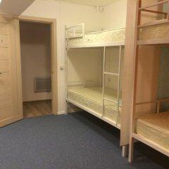 Garage Hostel Кровать в общем номере с двухъярусной кроватью фото 4