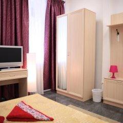 Отель Home Slava White Улучшенный номер фото 6