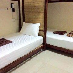 Naturbliss Bangkok Transit Hotel 3* Кровать в мужском общем номере фото 2