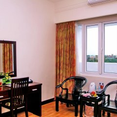 Century Riverside Hotel Hue 4* Семейный номер Делюкс с двуспальной кроватью фото 3