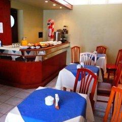 Hotel Torino Сан-Николас-де-лос-Арройос гостиничный бар