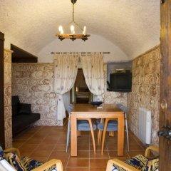 Отель Cuevalia. Alojamiento Rural En Cueva Сьерра-Невада интерьер отеля