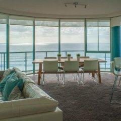 Отель The Waterford on Main Beach Апартаменты с 2 отдельными кроватями фото 7