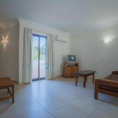 Отель Marina Buzios by Garvetur Португалия, Виламура - отзывы, цены и фото номеров - забронировать отель Marina Buzios by Garvetur онлайн комната для гостей фото 5