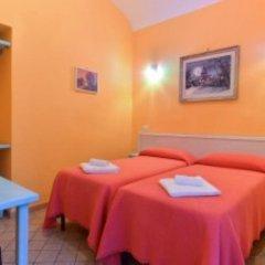 Отель Claudia Suites 3* Стандартный номер с 2 отдельными кроватями (общая ванная комната)