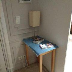 Отель Tuileries Франция, Париж - отзывы, цены и фото номеров - забронировать отель Tuileries онлайн удобства в номере фото 2