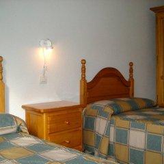Отель Alojamiento CR Cuatro Caminos комната для гостей фото 5