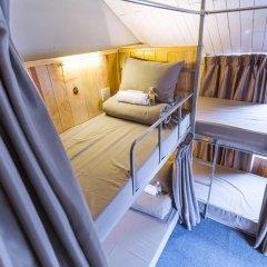 Отель Gold Night 2* Кровать в общем номере фото 7
