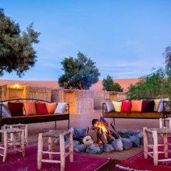 Отель Ali & Sara's Desert Palace Марокко, Мерзуга - отзывы, цены и фото номеров - забронировать отель Ali & Sara's Desert Palace онлайн бассейн